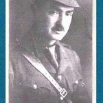 Photo de George Taylor Richardson – La photographie du capitaine George Taylor Richardson a été reproduite dans Guarding the Channel Ports, l'un des six volumes d'une série sur le Canada et la Première Guerre mondiale, publiée par United Publishers dans les années 1920.