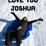 Photo – Joshua aimait faire de la luge quand il était jeune, alors en sa mémoire, j'ai décidé de visiter l'une des nombreuses collines que nous avions visitées ensemble. Avec la dernière photo de nous prise en main, j'ai fait quelques descentes sur la colline. J'imaginais mon fils me regardant du ciel et souriant. Je t'aime, maman